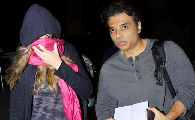 Nargis Fakhiri spotted at airport with boyfriend Uday Chopra